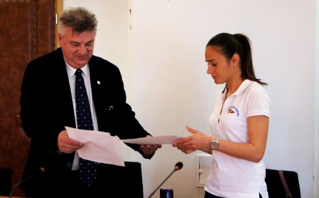 Parteneriat între Clubul Nautic Român şi Universitatea Ovidius în favoarea sporturilor pe apă
