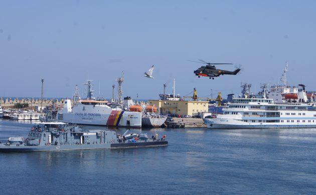 Ziua Marinei Române-Repetiţie cu nave militare pentru cea de-a 115-a reprezentaţie la scenă deschisă